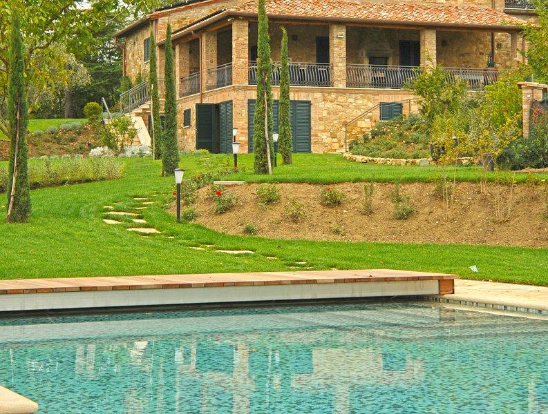 Vista della parte posteriore della Villa Nobile da Pool