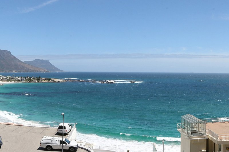 Clifton Apartment Sleeps 4 with Air Con - 5400320, location de vacances à Bantry Bay