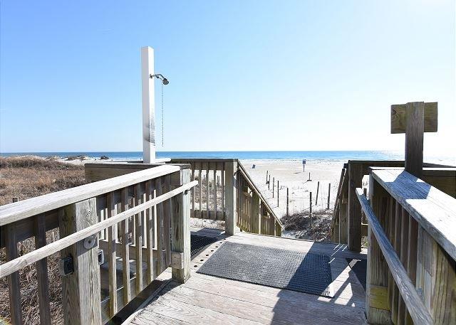 Shell Island Walkway to the Beach