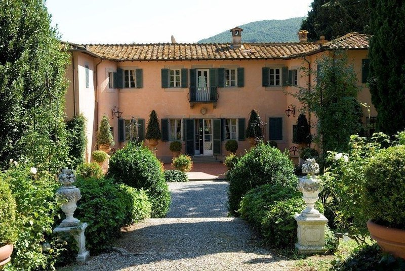 Villa Natalie vacation holiday luxury villa rental italy, tuscany, lucca, floren, holiday rental in Lucca