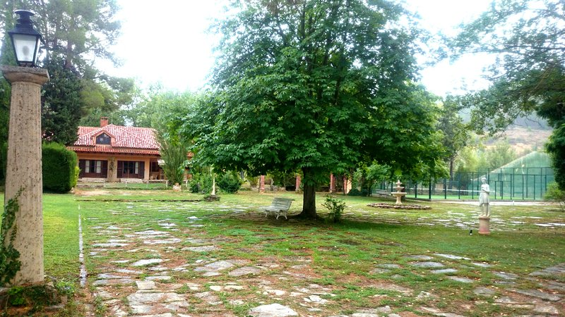 Casa de Campo La Rocha, holiday rental in Rubielos de Mora