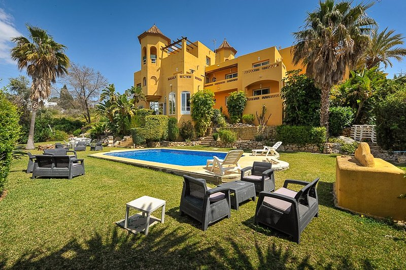 8 bedroom villa Marbella, large pool, free play pool table, table tennis,  BBQ, vacation rental in Marbella
