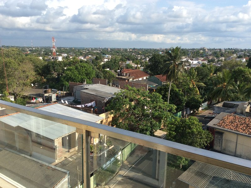 Penthouse Apartment in Colombo - Sleeps 1-2, holiday rental in Ratmalana