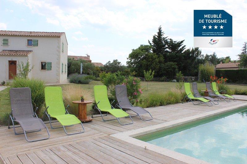 Le mas des Béradis - 2 Gîtes de charme de 4 personnes avec piscine  - Uzès, vacation rental in Uzes