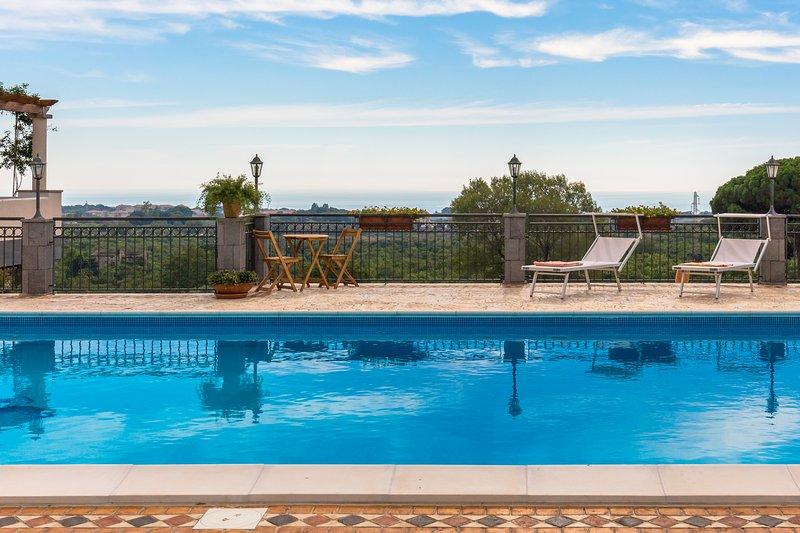 Poggio Belvedere Acireale apartment, alquiler de vacaciones en Maugeri