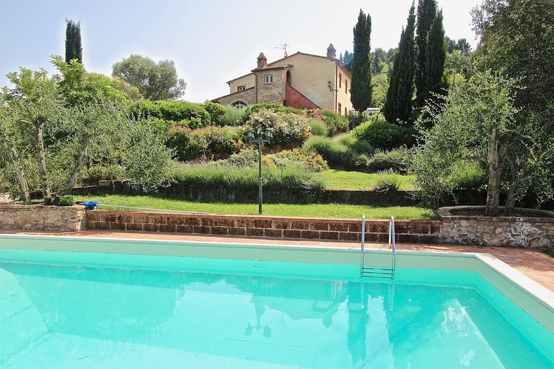 Agriturismo Luna Toscana, holiday rental in Palaia
