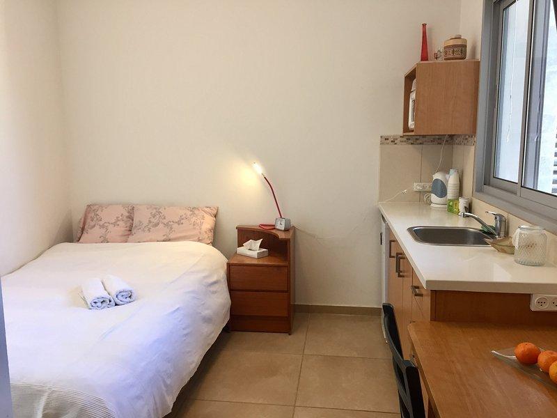 Studio Apartment- Kfar Saba Hayeruka, holiday rental in Hod Hasharon