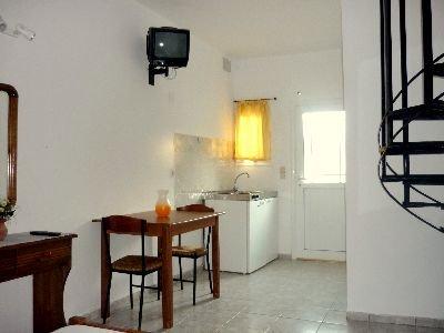 Skiathos Young GuestHouse Quadruple Room, location de vacances à Skiathos Town