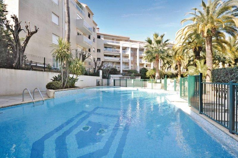 La piscina de la residencia