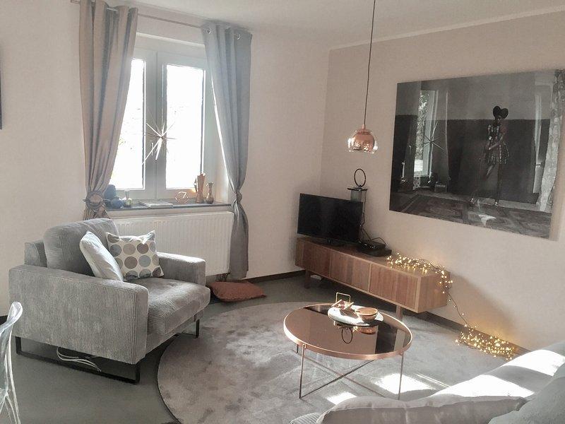 Das coole Oberstübchen - möbliertes Wohnen am CentrO, holiday rental in Bottrop