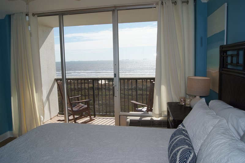Master Bedroom Ocean View - wake up to this every morning on vacation!