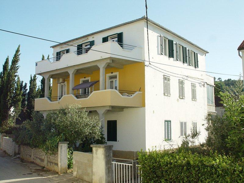 Preko Ugljan, Island for love (oposit Zadar) full of exotic Mediterranean plants, holiday rental in Preko