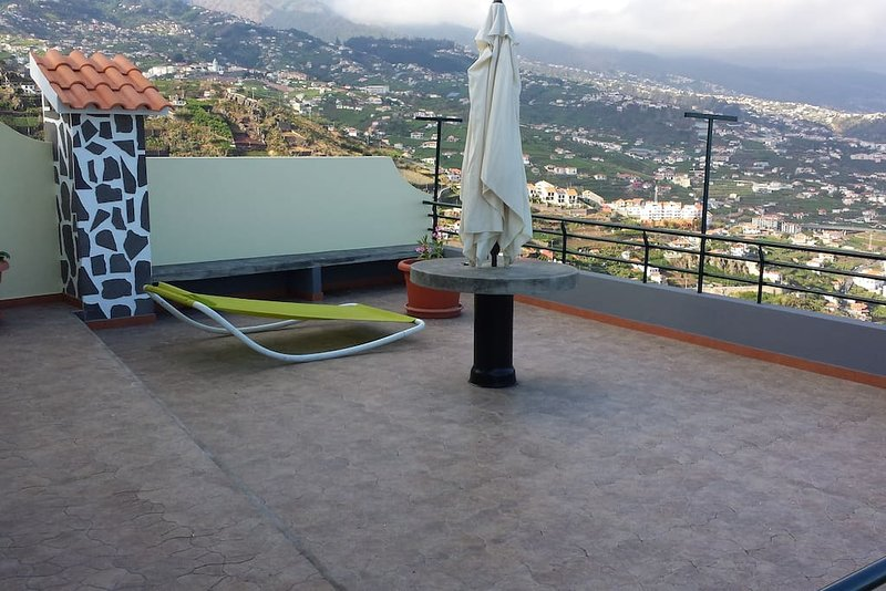Lynx Villa, Camara de Lobos, Madeira, holiday rental in Estreito de Camara de Lobos