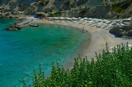 Villa Gaia, four bedroom villa with seaview and private seawater pool, location de vacances à Istron