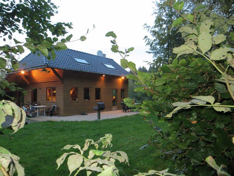 Chalet avec sauna a Louer Ardennes belges, vacation rental in Vireux-Wallerand