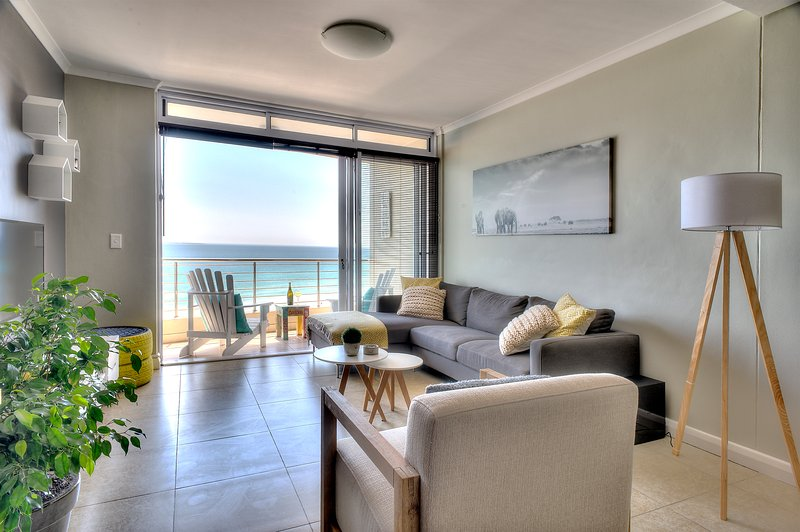 Portico 802, holiday rental in Bloubergstrand