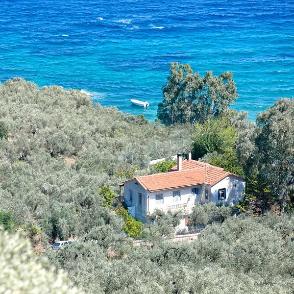 Private paradise by the sea, holiday rental in Gialtra