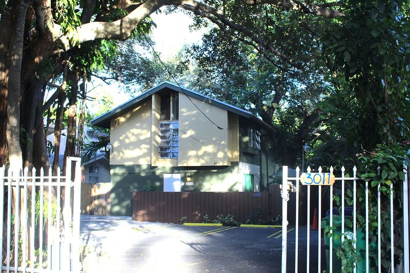 Grove Cottage, holiday rental in Coral Gables