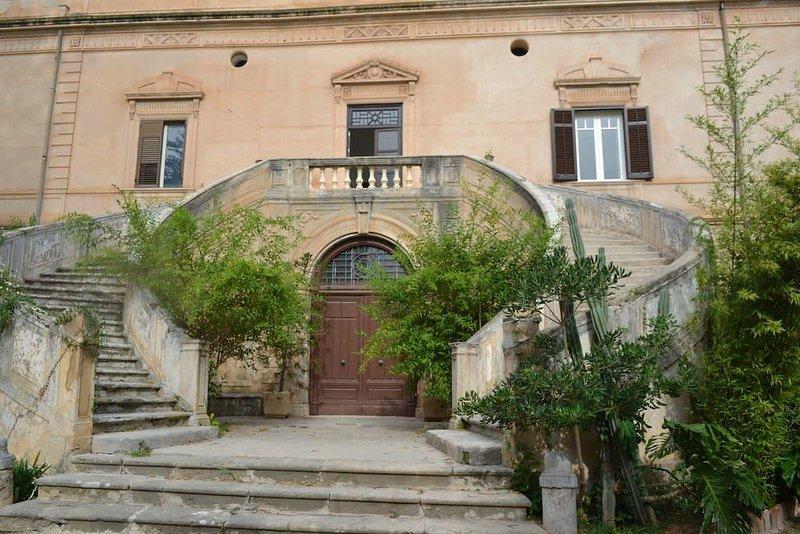 700 villa