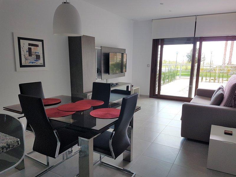 Luxury 2 bedroom 2 bathroom apartment, Terazzas de Campoamor, Lomas de Cabo Roig, holiday rental in Cabo Roig