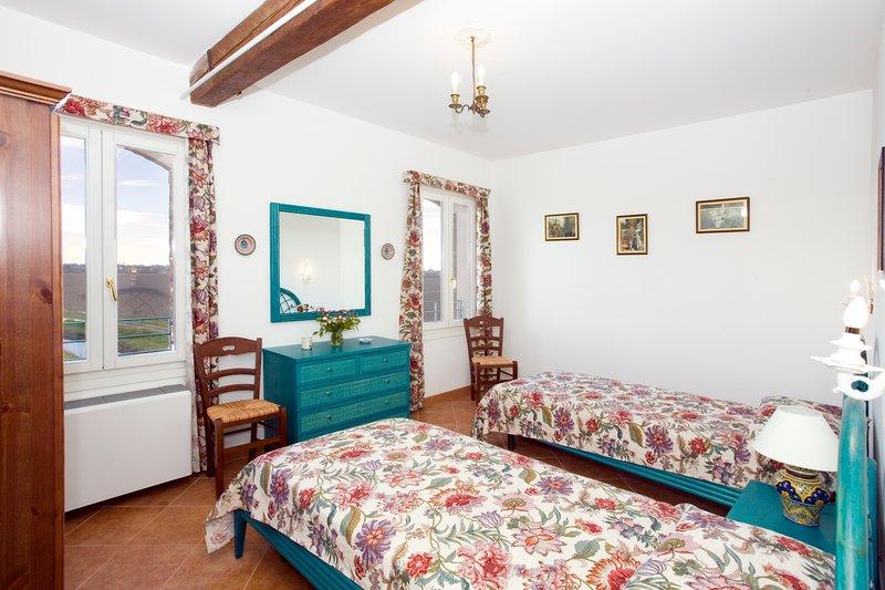 Apt. Pavoncella - Agriturismo Sesta Presa - sul fiume Livenza a 1 km da Caorle, holiday rental in Torre di Mosto