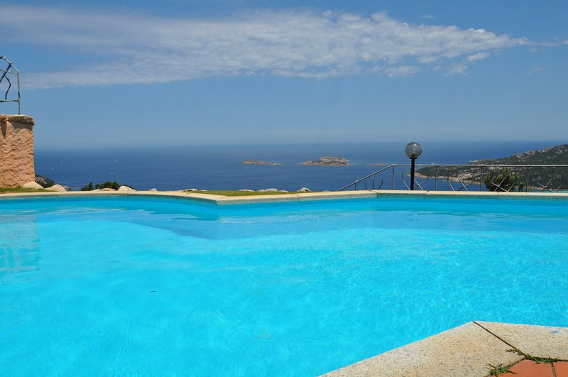 Villa Paradiso due Porto Cervo, holiday rental in Poltu Quatu