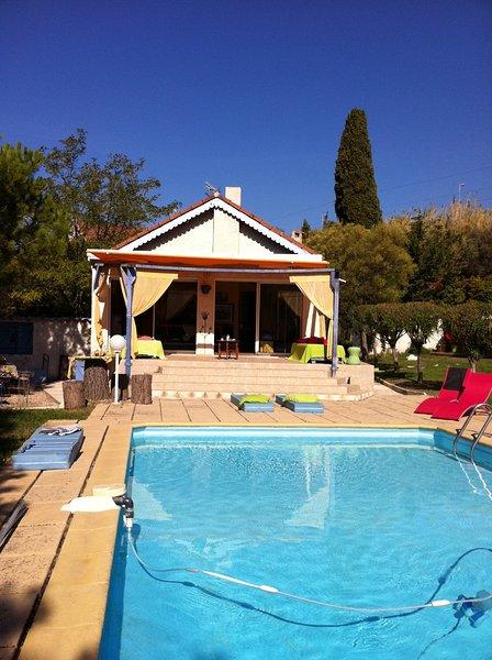 La belle Cassidaine. avec piscine et jardin joliment arbores au milieu des vigne, holiday rental in Cassis
