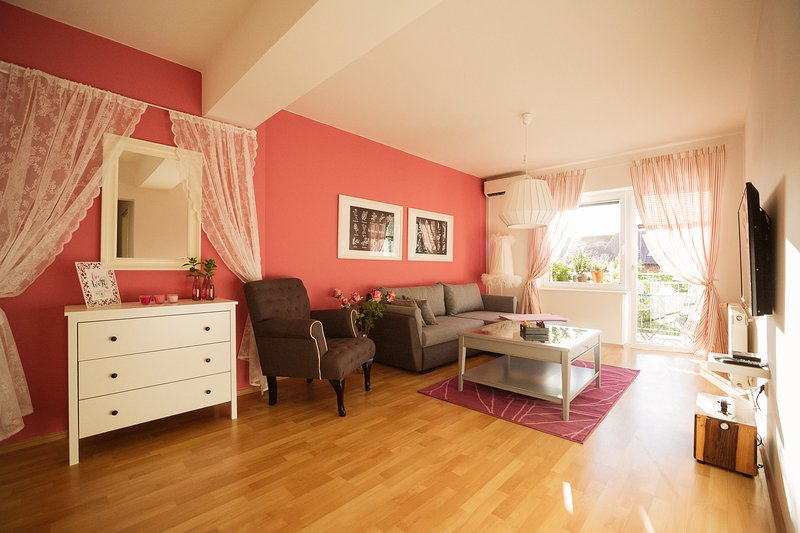 GARDEN apartment Ljubljana, cozy,  55m2, 2 bedroom, free parking, holiday rental in Ljubljana