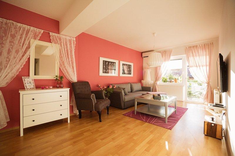 GARDEN apartment Ljubljana, cozy,  55m2, 2 bedroom, free parking, aluguéis de temporada em Nova Vas
