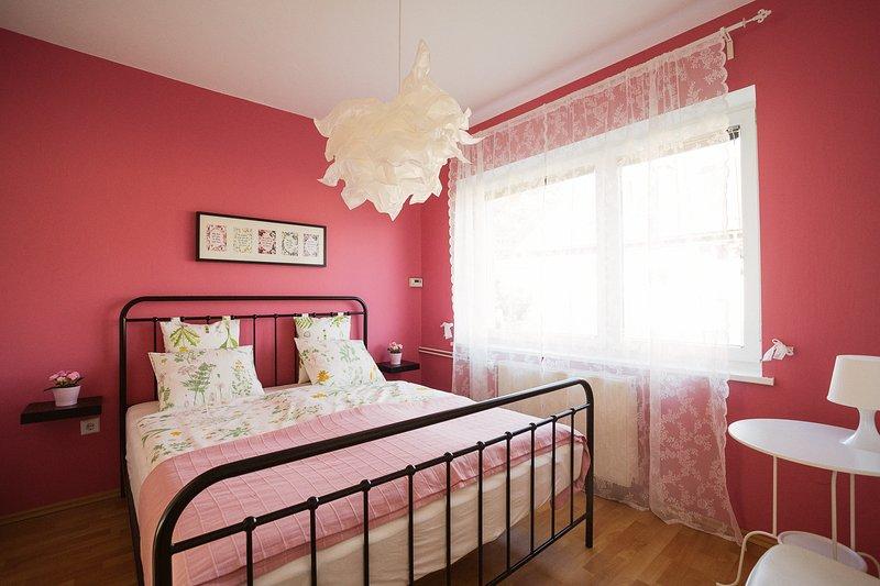 Garden apartment, 55 m2, 2 bedrooms, free parking