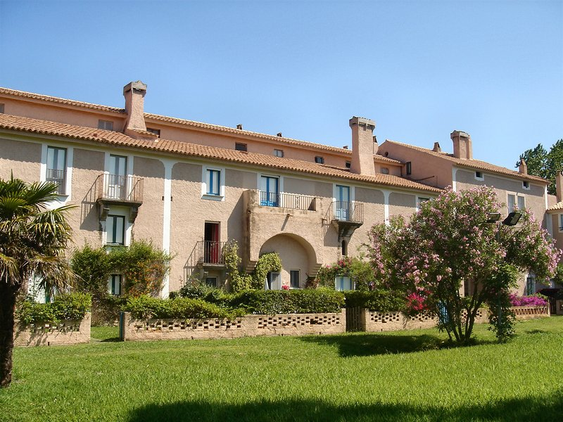 LA BRUCA RESIDENCE MERCURE - SANTA MARIA DEL CEDRO - SCALEA  (COSENZA), vacation rental in Sant'Angelo
