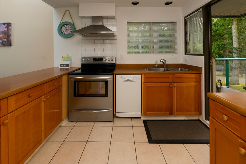Bright and spacious fully equipped kitchen.