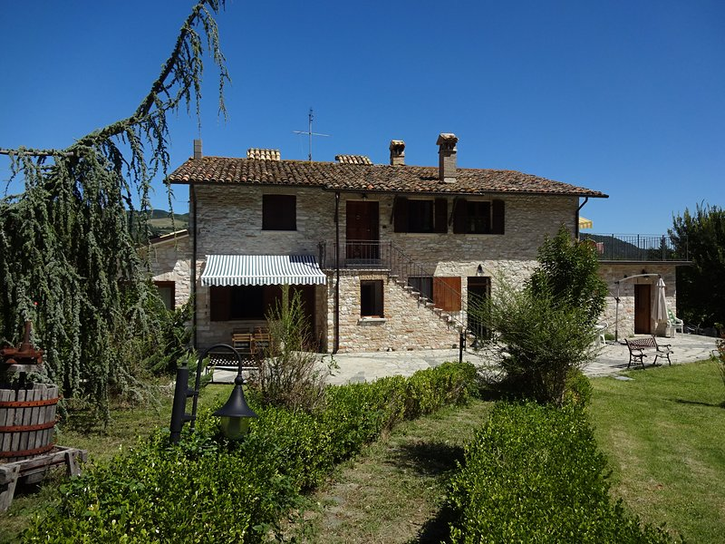 Il Melo - Casavacanze Ca'Resto, holiday rental in Urbino