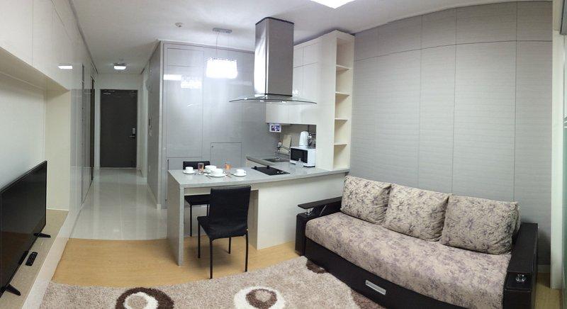«G - Room» Apartments Highvill, Ferienwohnung in Nur-Sultan