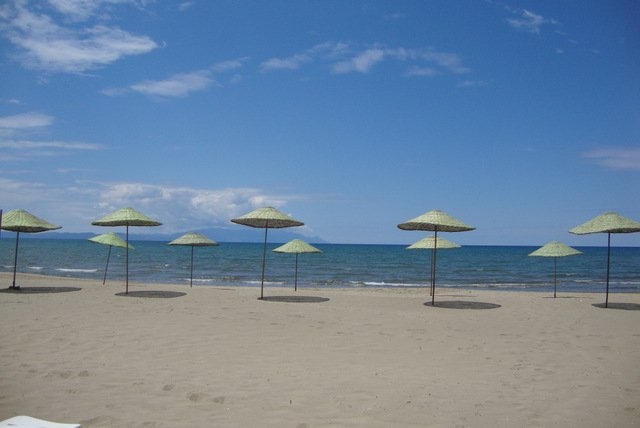 playa local, a 7 km