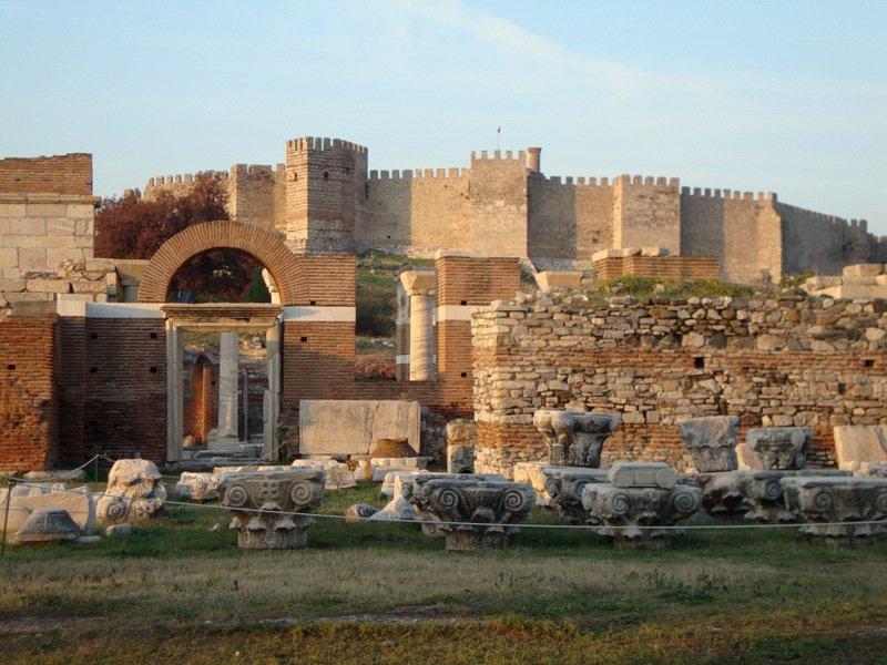 Iglesia St Johns y el castillo bizantino, Selcuk