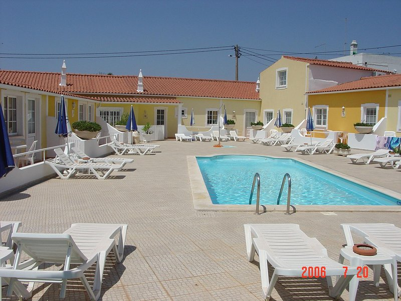 SOLAR DOS AVOS- COUNTRY-SIDE APARTMENTS, holiday rental in Guia