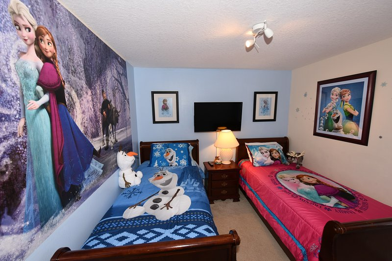 Frozen Themed Twin Room #2 with 37' LED TV