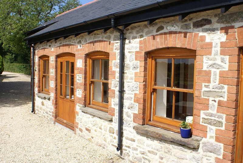 Swallow Cottage, Duffryn Mawr Cottages, vacation rental in Llandow