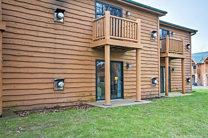 Le borse di studio bella villa di accedere ai servizi di comunità Resort del Grizzly Jack.