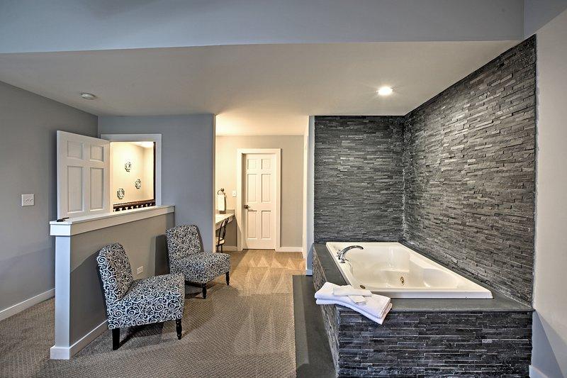 Rilassatevi con un bagno di bolle rilassante.