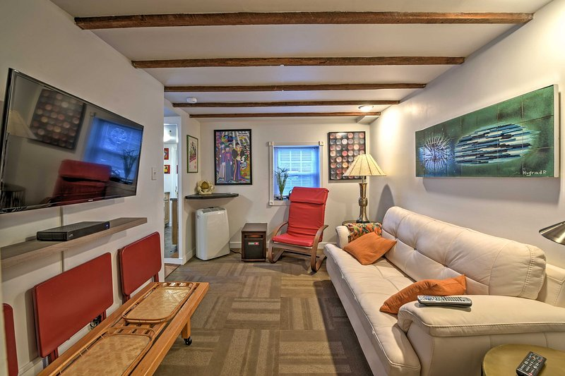 Tranquility awaits you at this lovely vacation rental cottage in Asheville!