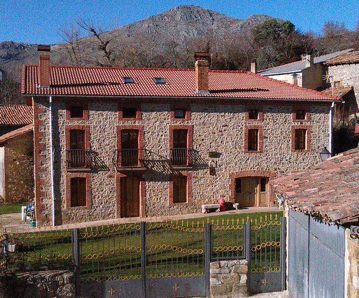 CASA CORRAL CASIANO, vacation rental in Vegacerneja