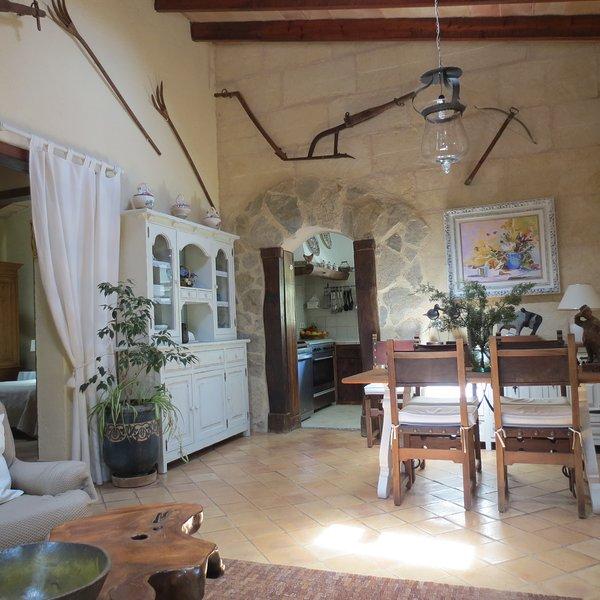 Casa de campo con piscina privada 'Fort de l'eau', alquiler de vacaciones en Randa