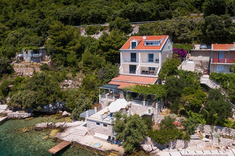 Ratac Lobrović Apartments with sea view – White, vacation rental in Sipanska Luka