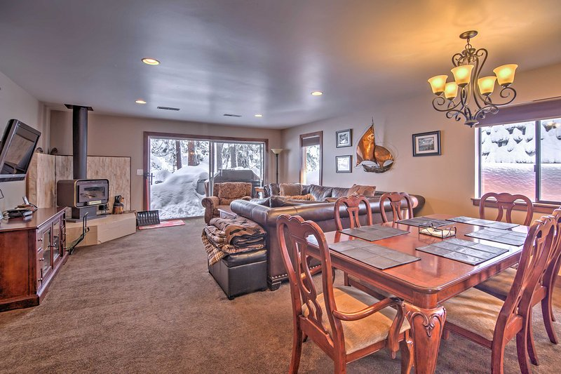 Cozy Incline Village Townhome: 2Mi to Diamond Peak, vacation rental in Incline Village