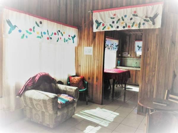 Pensión y Cabinas Colibrí B&B Monteverde – semesterbostad i Manzanillo