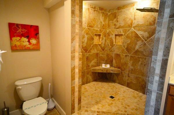 Bath w/ Custom Walk-in Shower