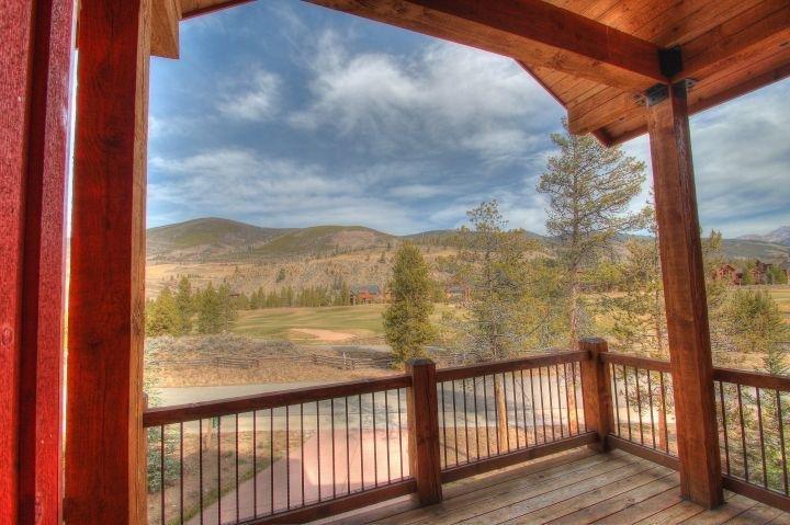 SkyRun Property - '170 Elk Circle' - Dinning Deck