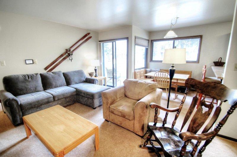 SkyRun Property - '1125 Flying Dutchman' - Living Room